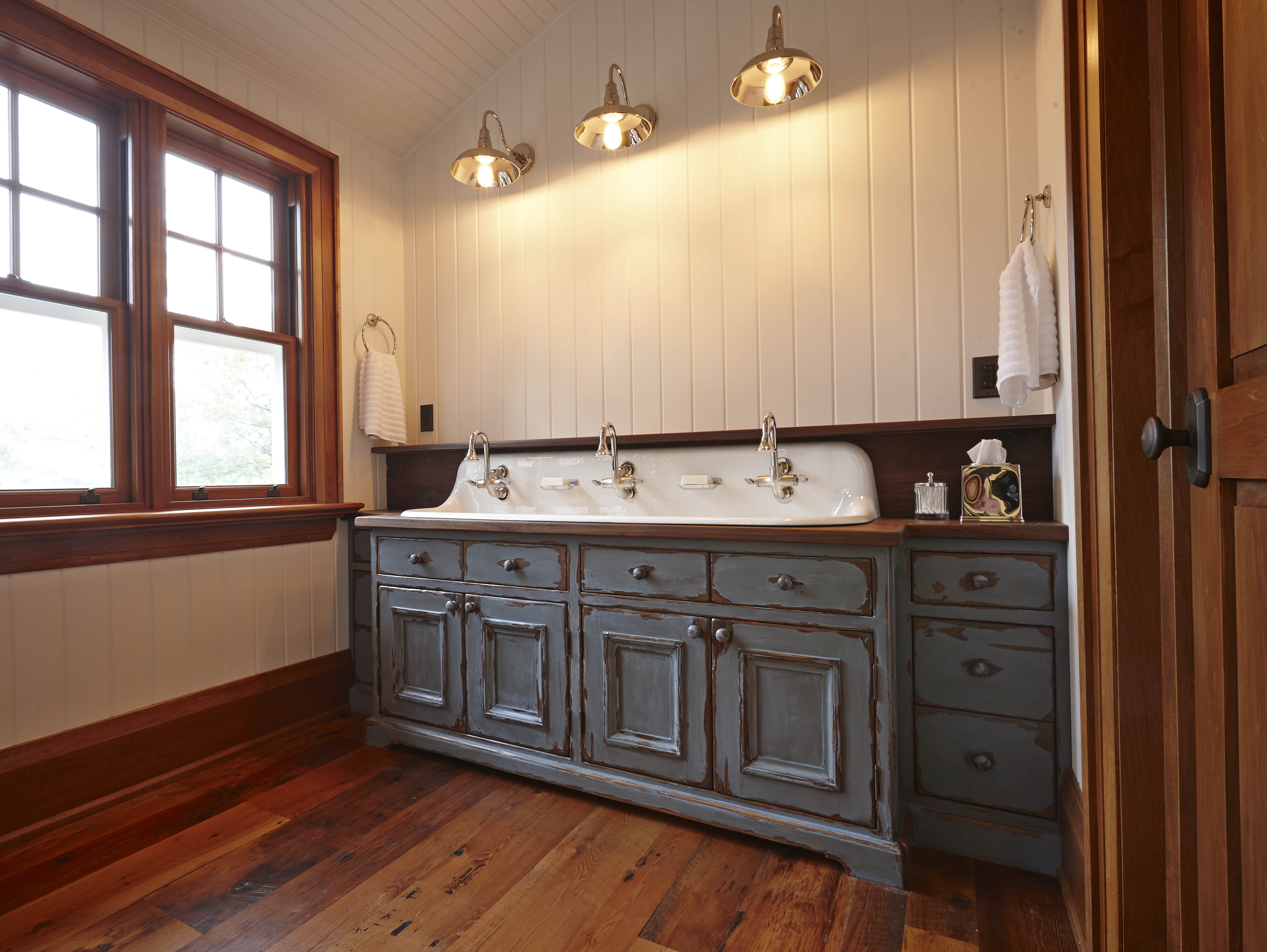 We Are Proud To Announce That One Of Our Favorite Custom Vanity Cabinets  And Its Beautiful Finish Has Been Featured In An Article On Houzz.